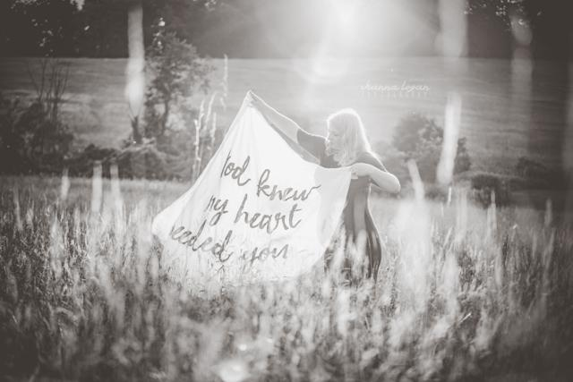 Amanda has been touched by the kind words she's received from strangers, especially other women who have lost their partners. (Shanna Logan Photography)