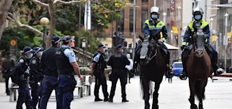 Eight arrested as second anti-lockdown protest fails