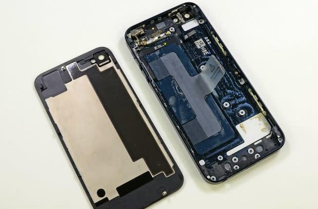 iPhone 5 hits the teardown table, scores a 7 out of 10 for repairability from iFixit