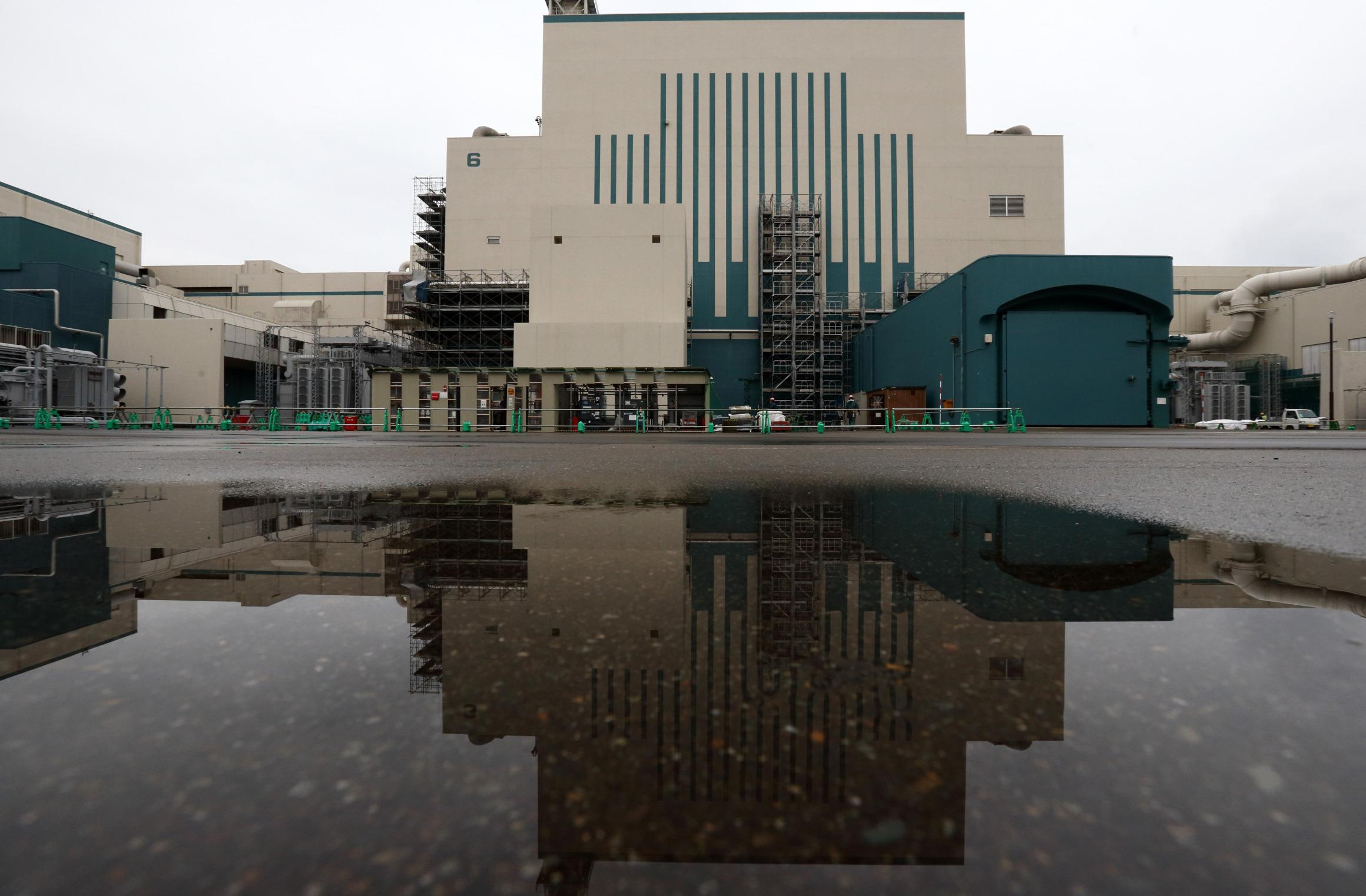 Tepco Wins Rare Nuclear Test as Mayor Accepts Reactor Plan