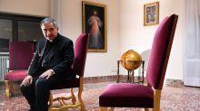 Vaticano, scoppia il caso della 'dama' di Becciu