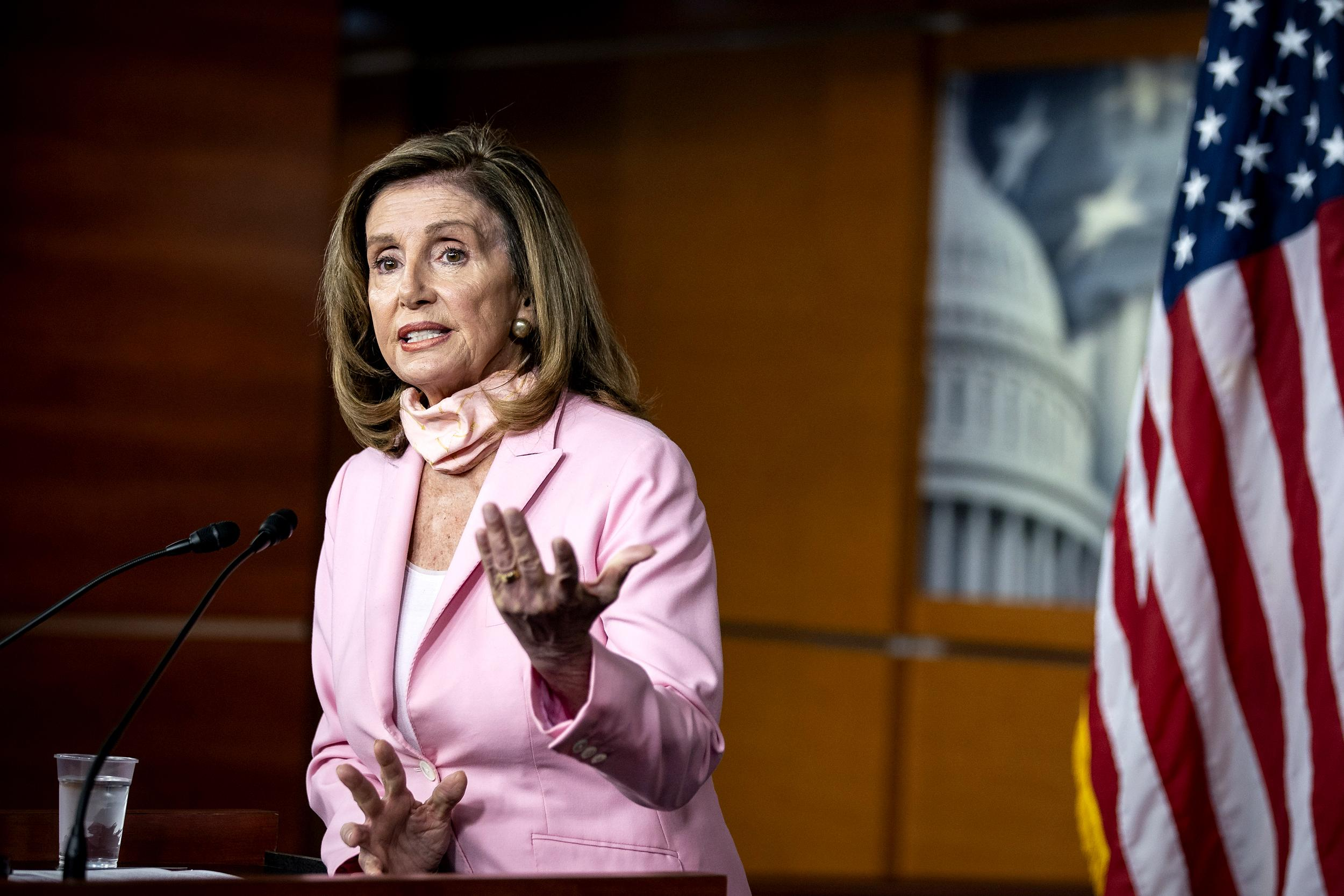 Speaker Pelosi under fire for receiving hair services amid salon closures