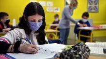 """""""C'est trop lourd sur le plan logistique"""": l'exécutif confirme la décision de ne pas fournir de masques gratuits aux élèves"""