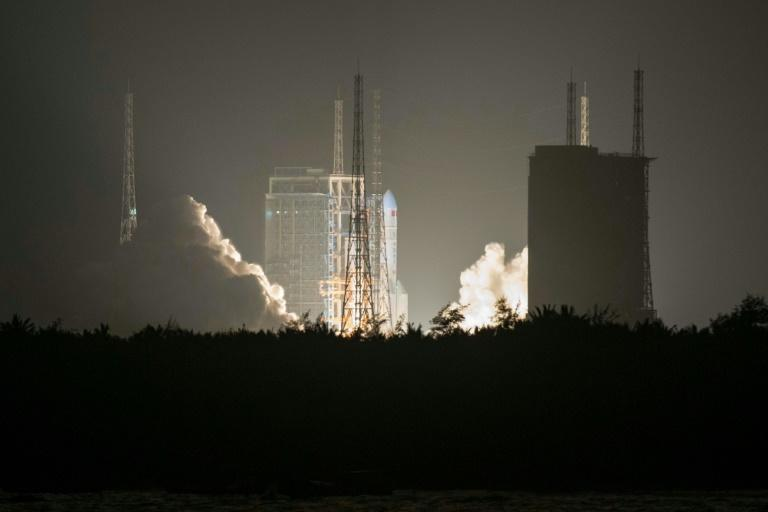 China's Long March 5 rocket blasts off from its launch centre in Hainan last year (AFP Photo/STR)