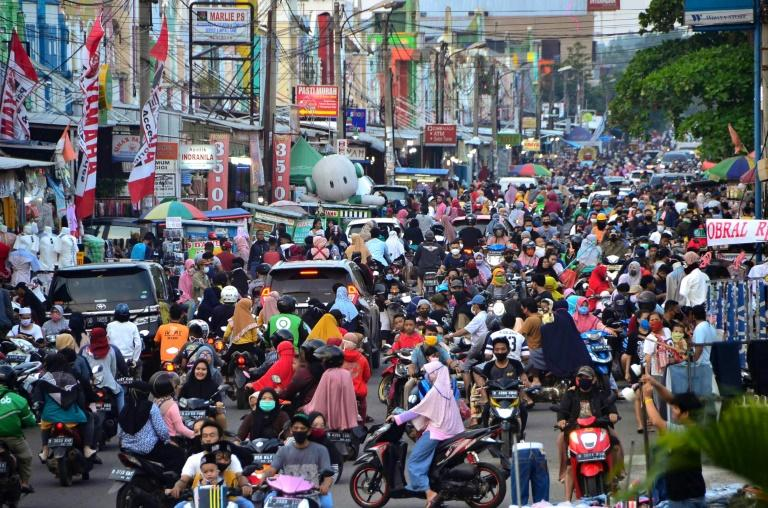 Indonesians have been looking for ways to get home for Eid despite travel restrictions in the country (AFP Photo/REZAS)