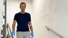 Alexei Navalny, nuova foto su Instagram in cui cammina da solo
