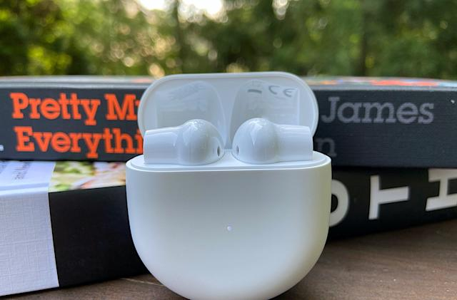 OnePlus Buds hands-on: $79 wireless earbuds with lots of compromises