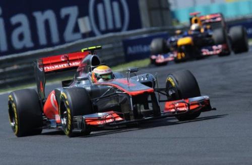 El piloto británico de McLaren, Lewis Hamilton, a la cabeza del GP de Hungría, este domingo.