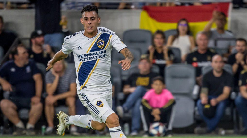 LA Galaxy extend Pavon loan another year