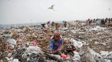 Scavengers in India risk health to sift coronavirus debris