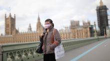 Il Regno Unito litiga sul lockdown nazionale. Intanto Londra alza l'allerta