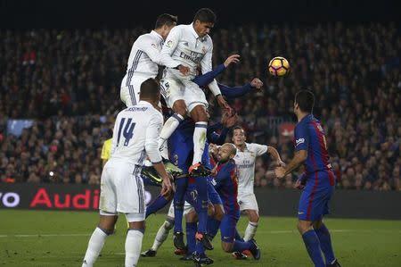 El Barça tratará de recuperarse en el clásico de la eliminación en Champions