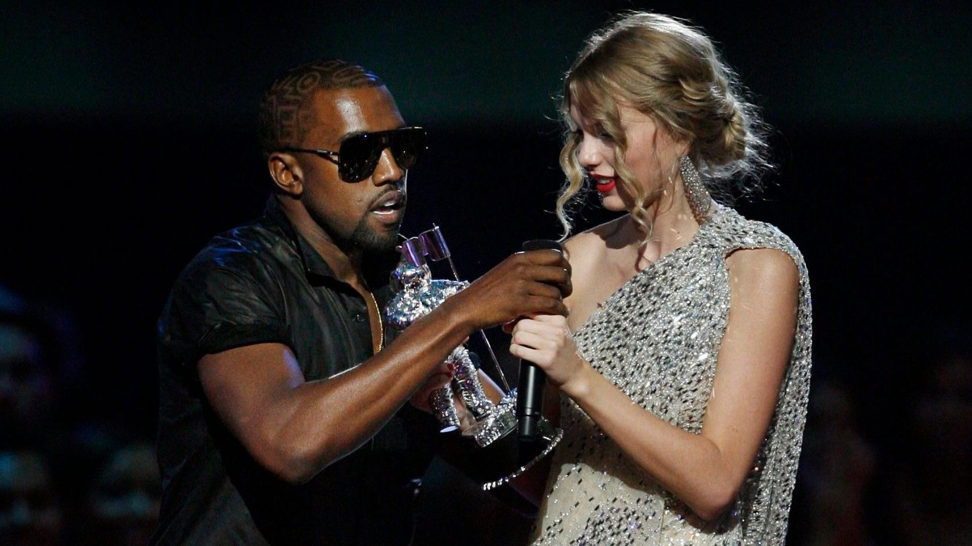 Kanye West Made Beyoncé Cry with His Taylor Swift VMAs Stunt & Who Can  Blame Her?