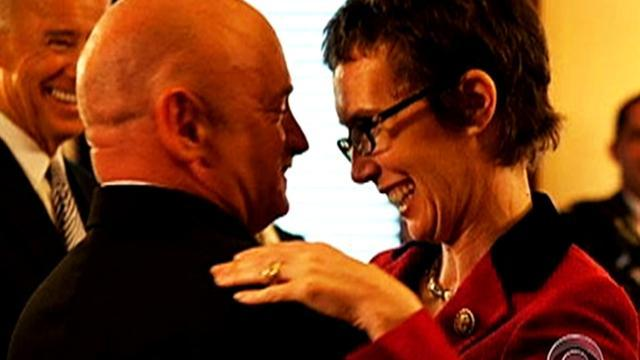 Gabrielle Giffords makes rare appearance in DC