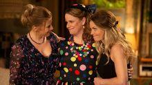 'Madres forzosas' no perdona, la secuela esconde varias pullitas contra las gemelas Olsen