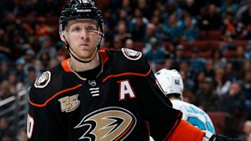 Cut by Ducks, Perry wants to prove he's not done