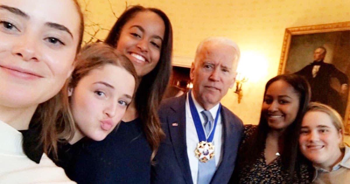 Joe Biden S Granddaughter Posts Throwback Photo With The Obama Girls