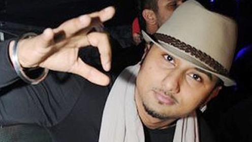Vulgarity in songs bring trouble to Honey singh
