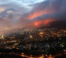 Cape Town fire: Residents evacuated on city's outskirts