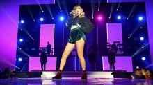 Taylor Swift Extends 'Reputation' Tour With New Dates