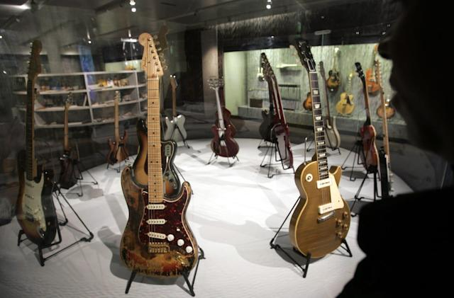 Gibson files for bankruptcy to ditch electronics, focus on guitars