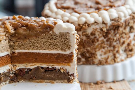 """<p>That is, if a """"piecaken"""" graces your <a href=""""https://www.yahoo.com/makers/tagged/thanksgiving"""" data-ylk=""""slk:Thanksgiving"""" class=""""link rapid-noclick-resp"""">Thanksgiving</a> dessert spread. What <i>is</i> a piecaken? Simply put, it's a pie stuffed within a cake, the latest mashup in a long line of frankenfoods out there. And piecaken variations are endless. We've rounded up a few that are perfect for Thanksgiving, including a recipe for this <a href=""""http://www.davidburkefabrick.com/"""" rel=""""nofollow noopener"""" target=""""_blank"""" data-ylk=""""slk:viral piecaken from NYC's fabrick"""" class=""""link rapid-noclick-resp"""">viral piecaken from NYC's fabrick</a>, on the next slide. <i>(Photo: <a href=""""http://www.food.com/recipe/thanksgiving-piecaken-524744?photo=377291"""" rel=""""nofollow noopener"""" target=""""_blank"""" data-ylk=""""slk:Zach Young/Food.com"""" class=""""link rapid-noclick-resp"""">Zach Young/Food.com</a>)</i></p>"""