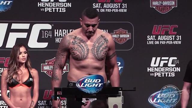 UFC 164 weigh-in highlights