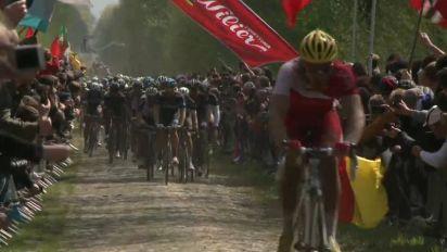 Ciclismo: Parigi-Roubaix rinviata al 3 ottobre