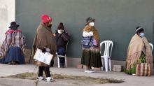 Bolívia chegaria ao pico de 28.000 casos da COVID-19, segundo previsão oficial