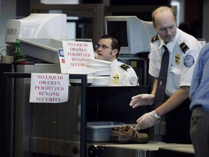 TSA can't believe MacBook Air is a real laptop, causes owner to miss flight