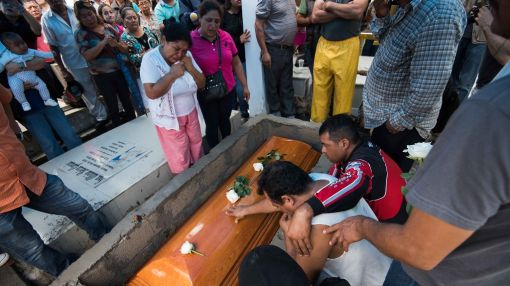 Mexico rallies resources after reporter's slaying