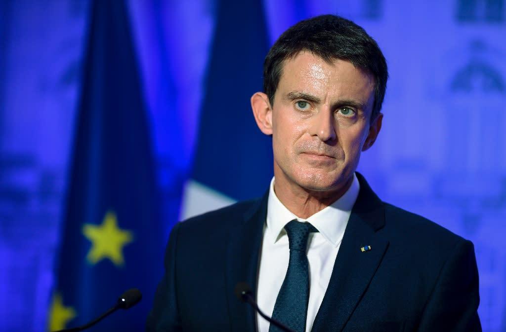 Former prime minister Manuel Valls delivers a speech in Nancy, eastern France, on December 2, 2016 (AFP Photo/JEAN-CHRISTOPHE VERHAEGEN)
