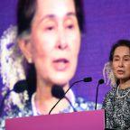 Amnesty strips Aung San Suu Kyi of highest honour