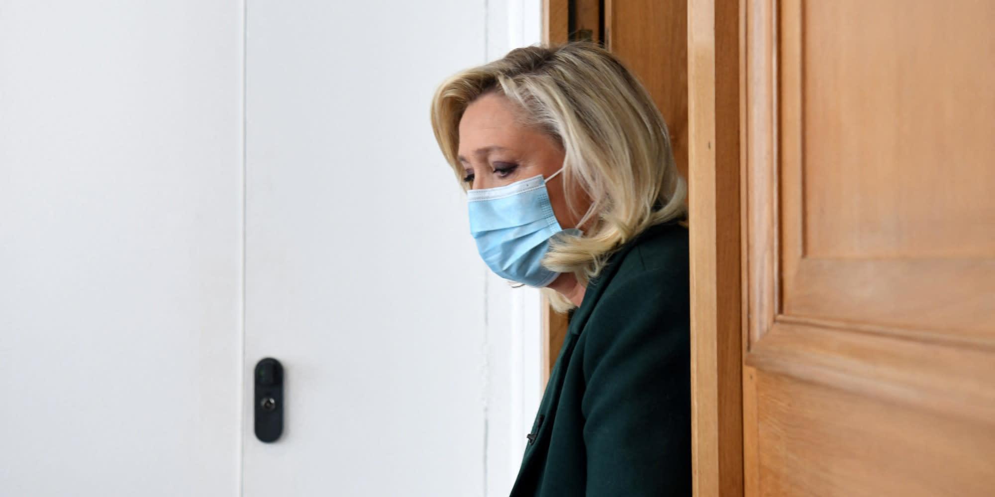 Assistants d'eurodéputés FN : un rapport de police met en cause Marine Le Pen