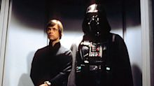 Mark Hamill wanted Luke to turn to the dark side in 'Return of the Jedi'