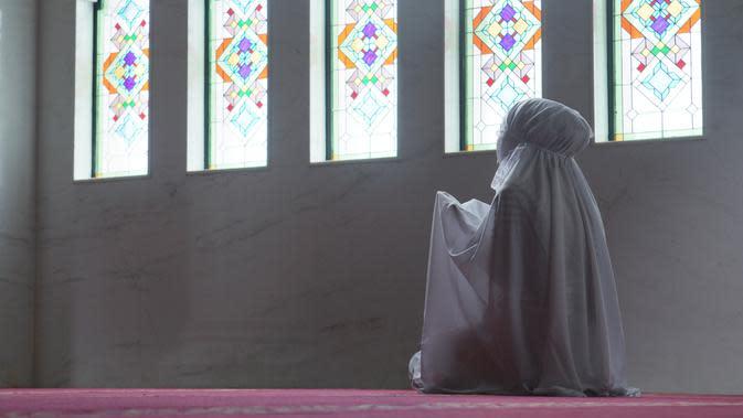 Tata Cara Sholat yang Benar bagi Wanita, Pahami Ketentuannya