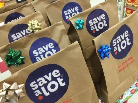 Save A Lot Donates More Than 185 000 Bags Of Food To Charities Across The Country