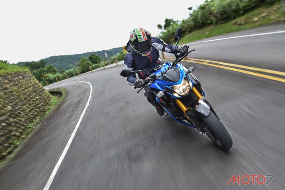 在五指山上能輕鬆的享受騎乘樂趣。