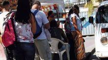 Após ônibus 'sumirem', vans se multiplicam na Zona Oeste do Rio