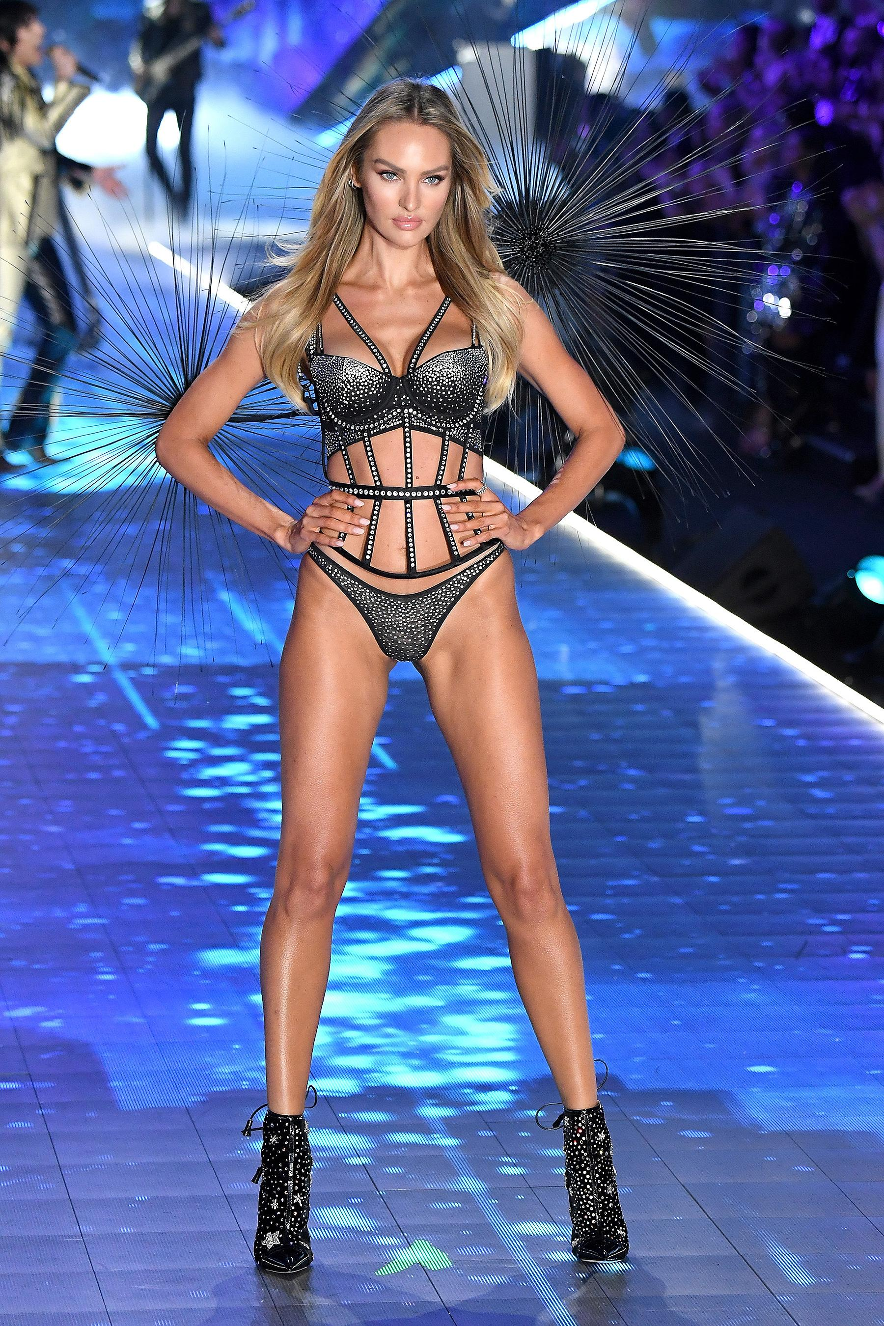 454eac8b6f6 Candice Swanepoel Walks in the Victoria s Secret Fashion Show 5 Months  After Giving Birth