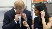 Príncipe Harry e Meghan experimentam carne de canguru em visita a Melbourne
