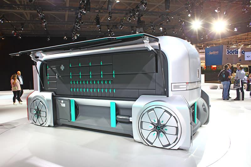 EZ Pro同時也有無駕駛艙版本,可與有駕駛艙車型連結成火車般自動運輸。