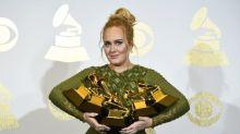¡Adele hace, literalmente, historia en los Grammy!