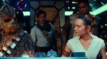 Un actor de 'Star Wars: el ascenso de Skywalker' comparte un vídeo llorando de la emoción tras ver la película