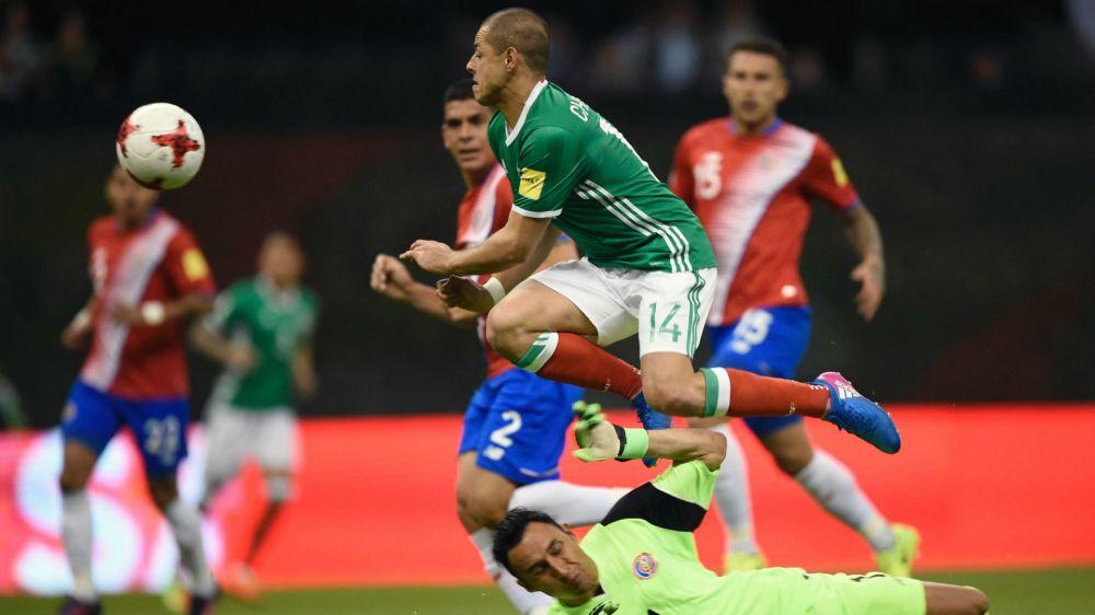 Chicharito está recuperado para jugar contra Trinidad y Tobago