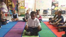 El colegio que ha sustituido los castigos por la meditación con gran éxito