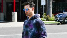 "Joe Jonas Took Daughter Willa for a Walk Wearing a ""Vote"" Mask"