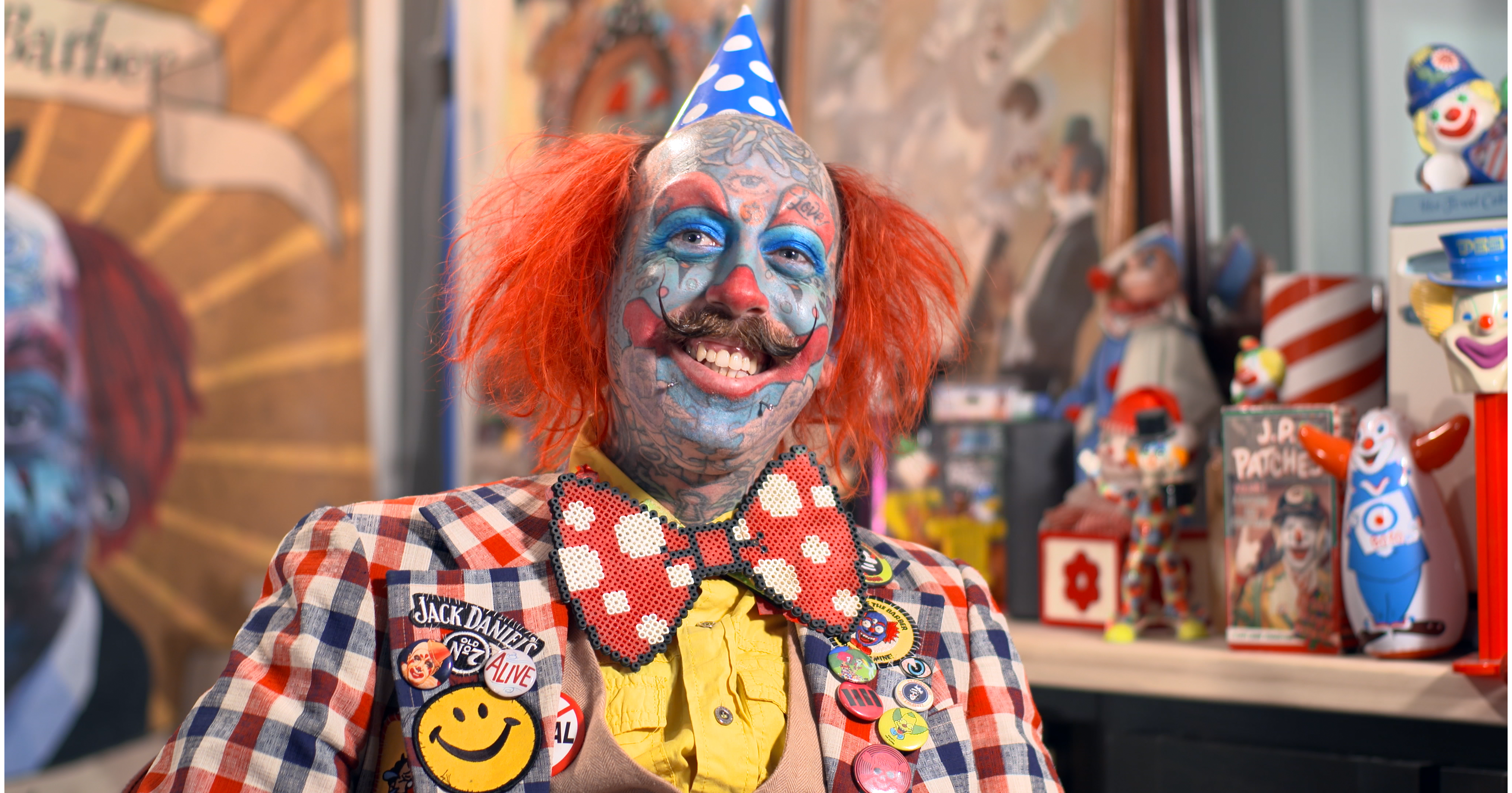 2d67dd62e Richie the Barber is the closest there is to a real-life clown. (Photo:  Yahoo Lifestyle)