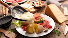 Comment les Français mangent la raclette [SONDAGE EXCLUSIF]