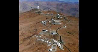 2664米高山變「平頭」空拍震撼
